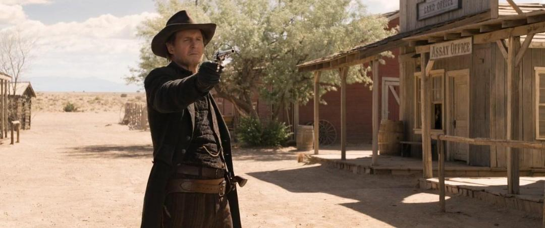 A Million Ways to Die in the West 2014 720p BluRay x264 [Dual Audio][Hindi+English] KMHD