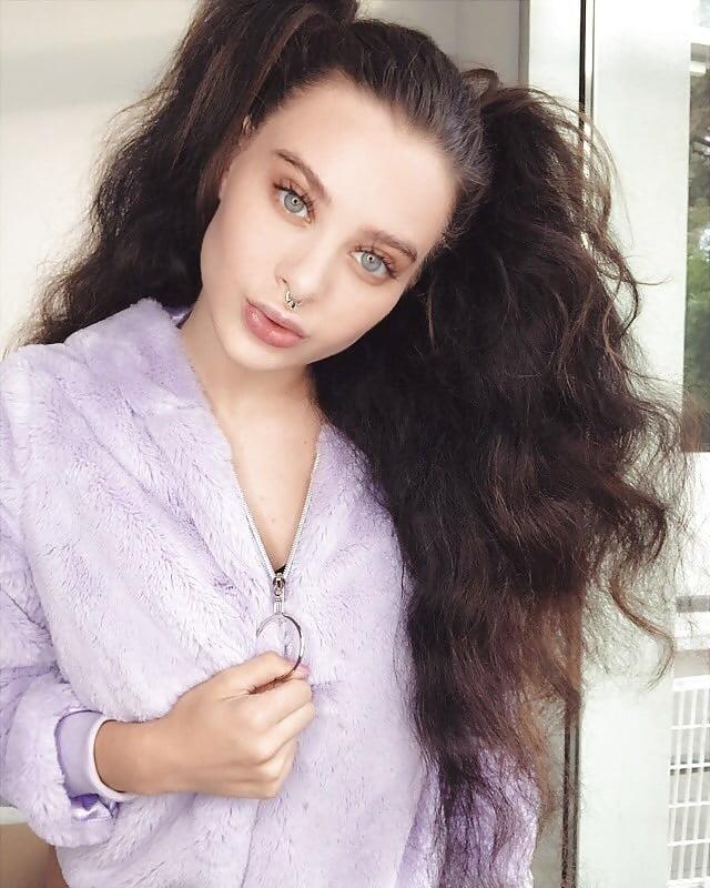 Lana rhoades naked selfie-7725