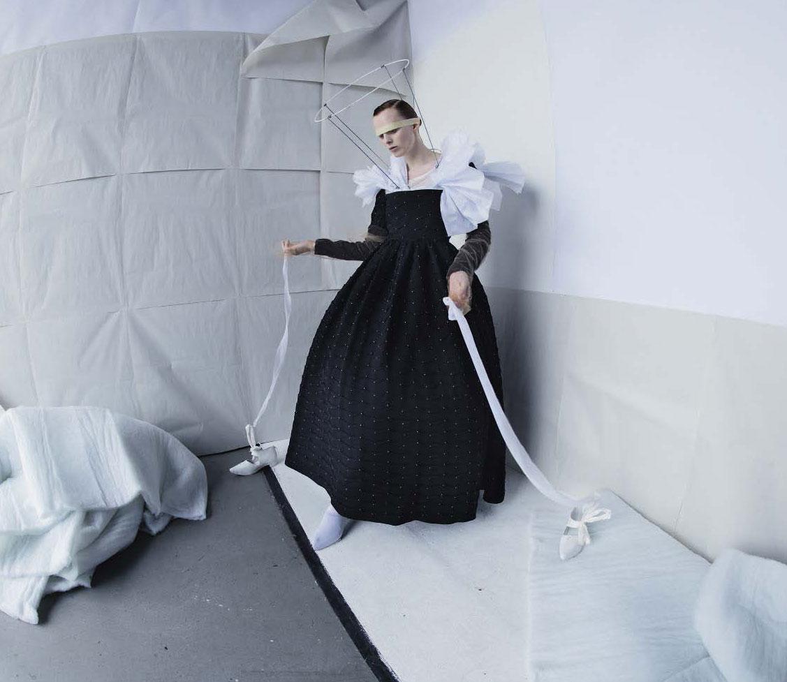 Deliver Us / Karen Elson, Sgàire Wood, James Crewe by Tim Walker / Vogue Italia september 2018