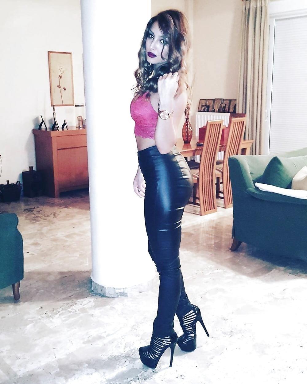 Sexy greek feet-2288