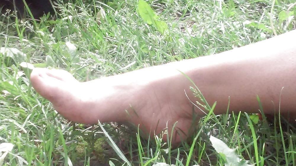Petite latina feet-2262