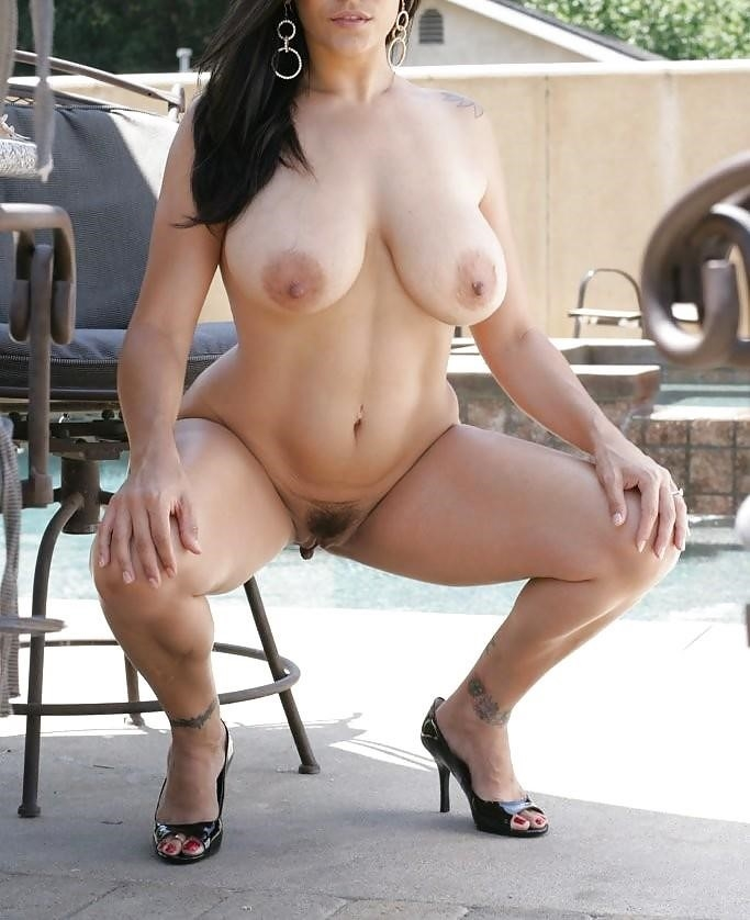 Mature posing porn pics-9338