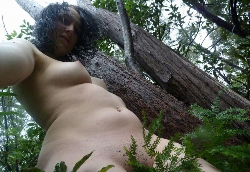 Naked girl taking selfie-2534