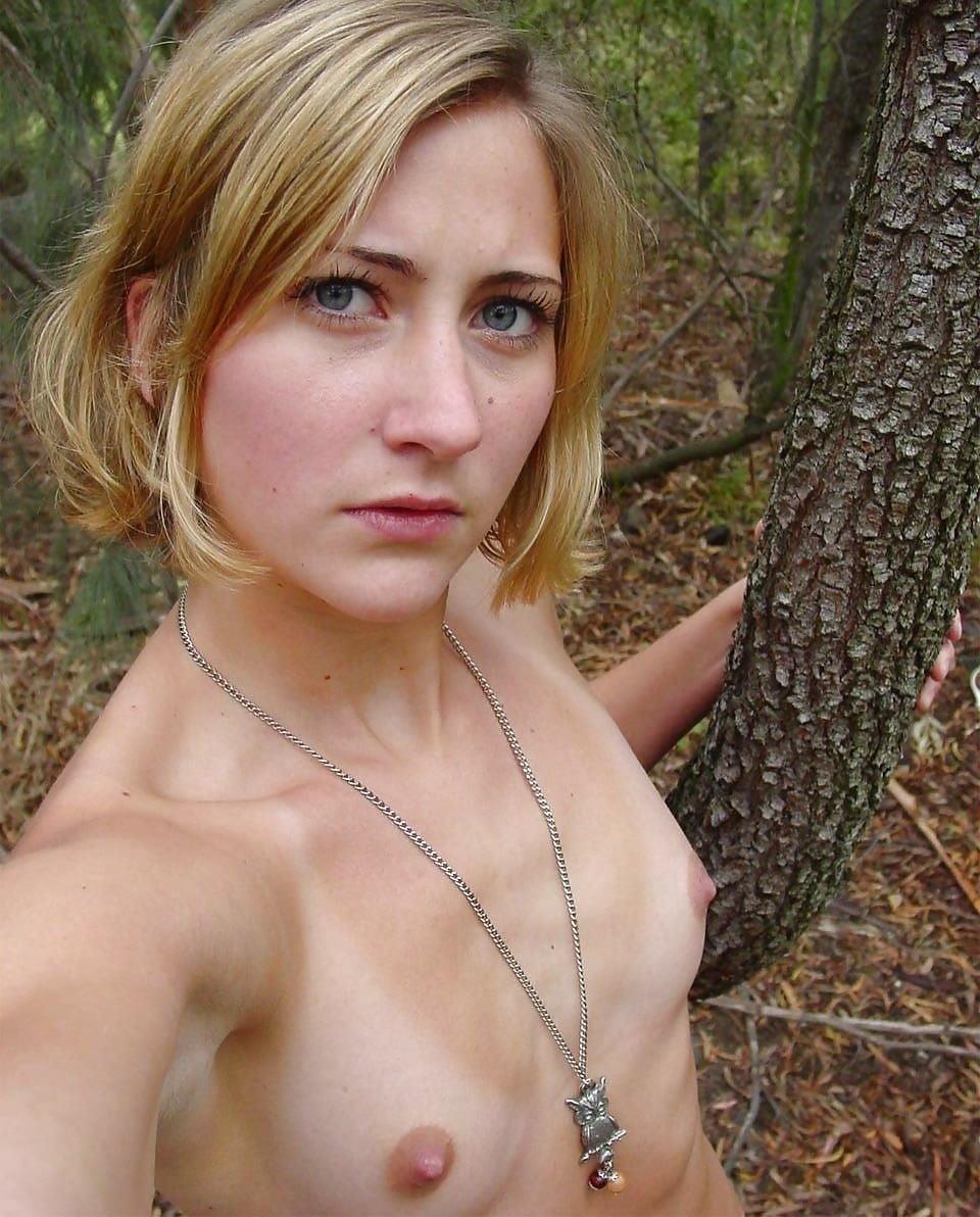Girls taking naked selfies-5040