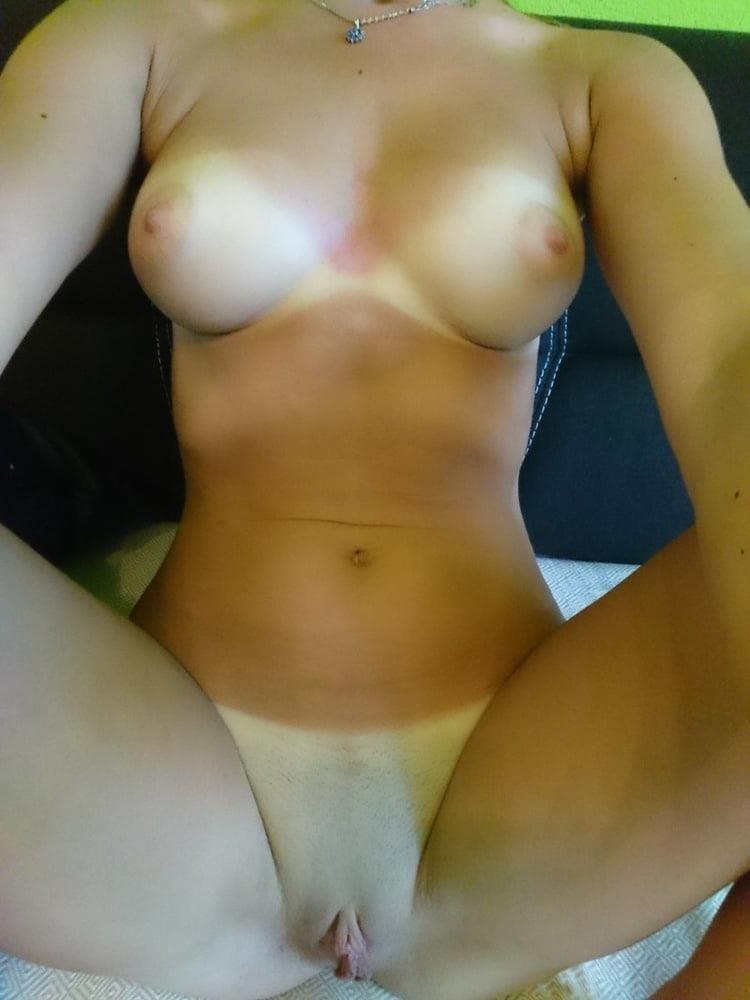 Amateur girls naked selfies-8085