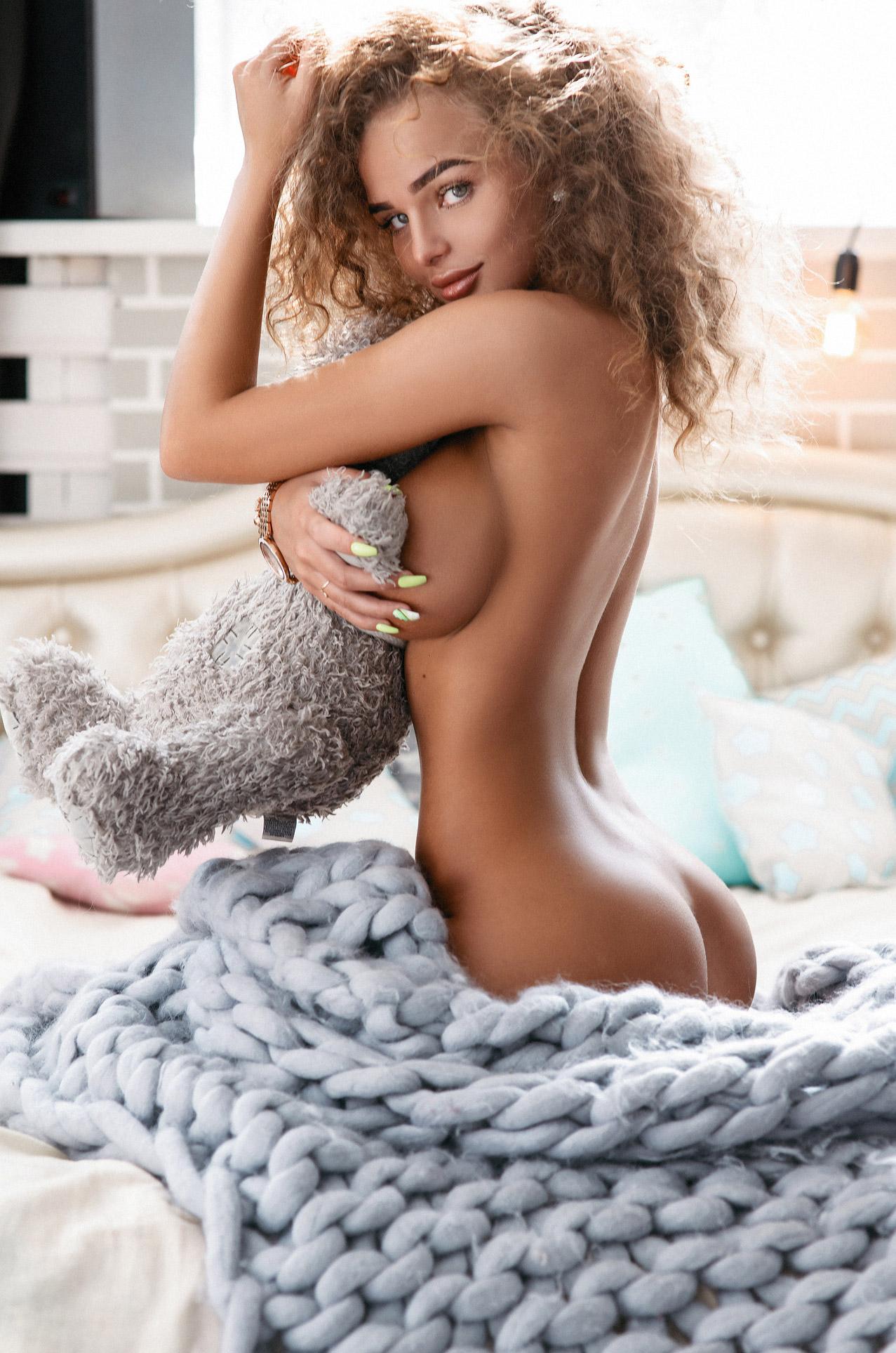 сексуальная Анастасия Пелевина и плюшевый мидведь / Anastasiya Pelevina by Sergey Yakubitskiy