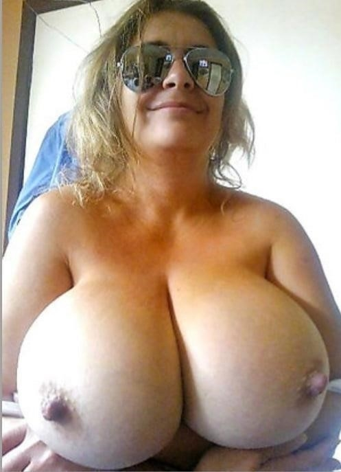 Moms mature naked-6742