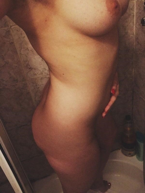 Hot girls taking nude selfies-7927
