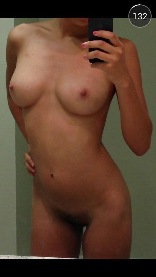 Teen topless selfie-1306