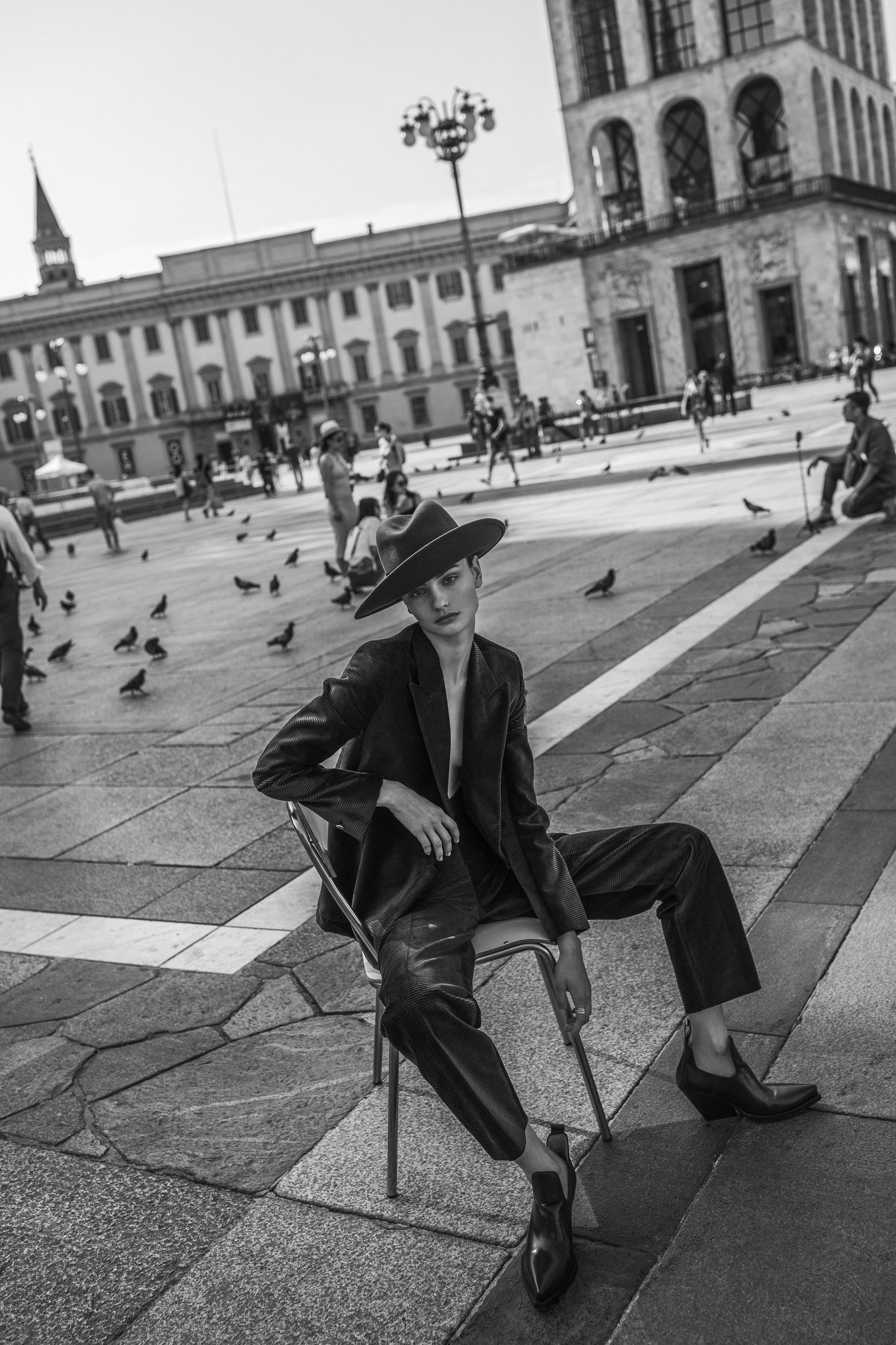 Паула Чиолтян на улицах Милана / фото 10
