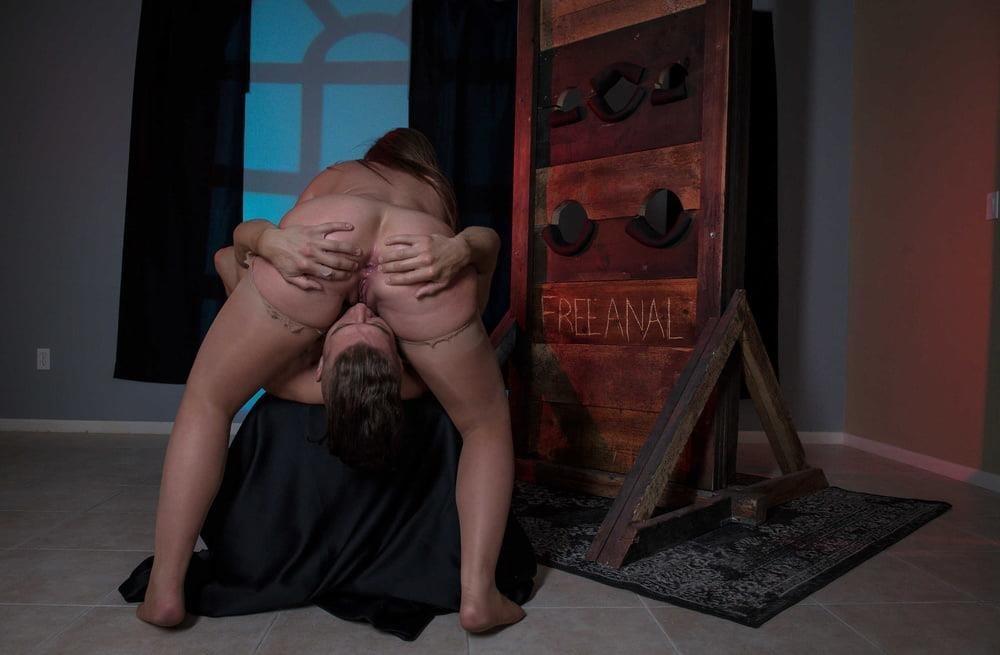Free hot mom anal-1840