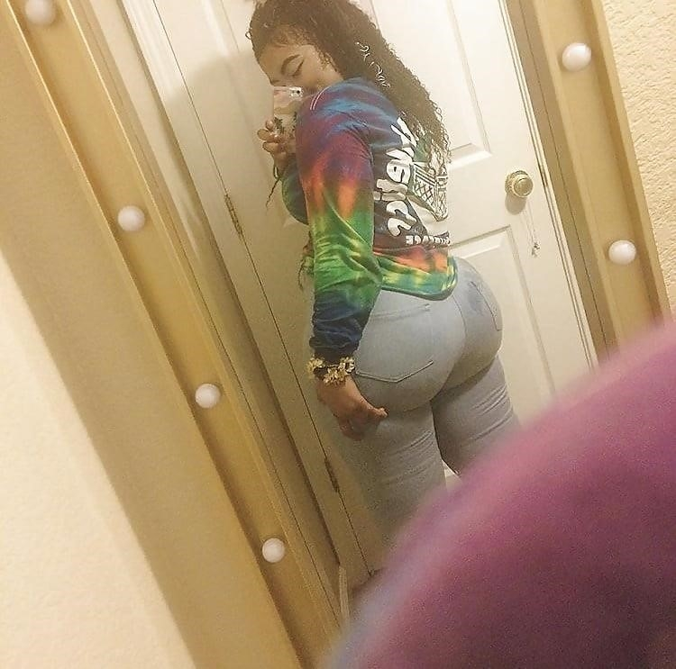 Thick black booty solo-6861