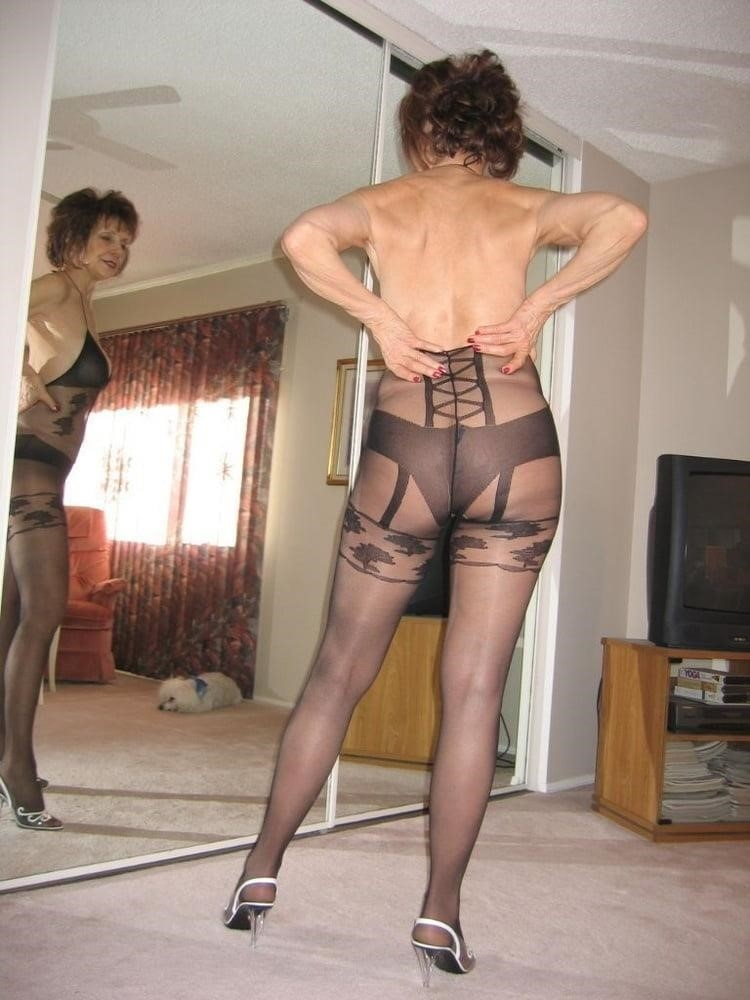 Amateur granny stockings pics-8924
