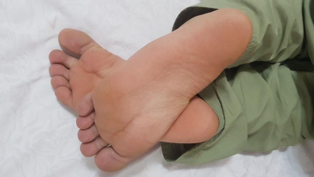 Iranian feet fetish-8800