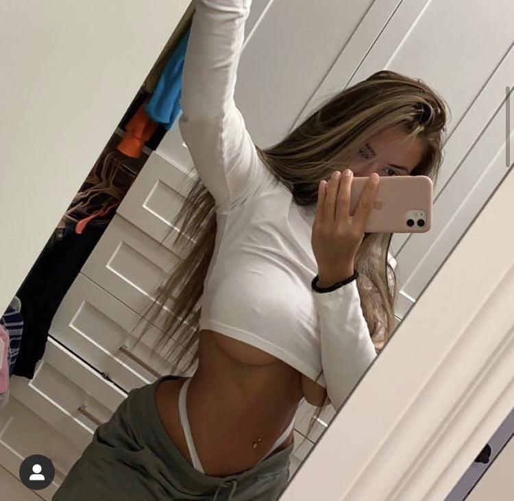 Braless natural boobs-7923