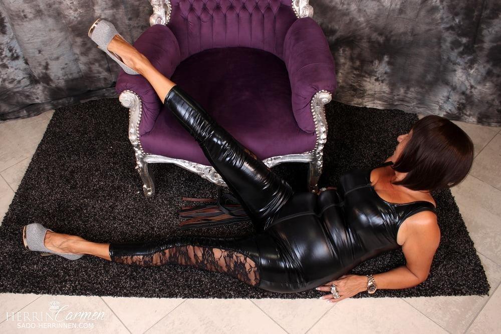 Strict foot mistress-7105