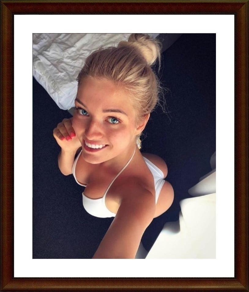 Girls taking selfies nude-2871