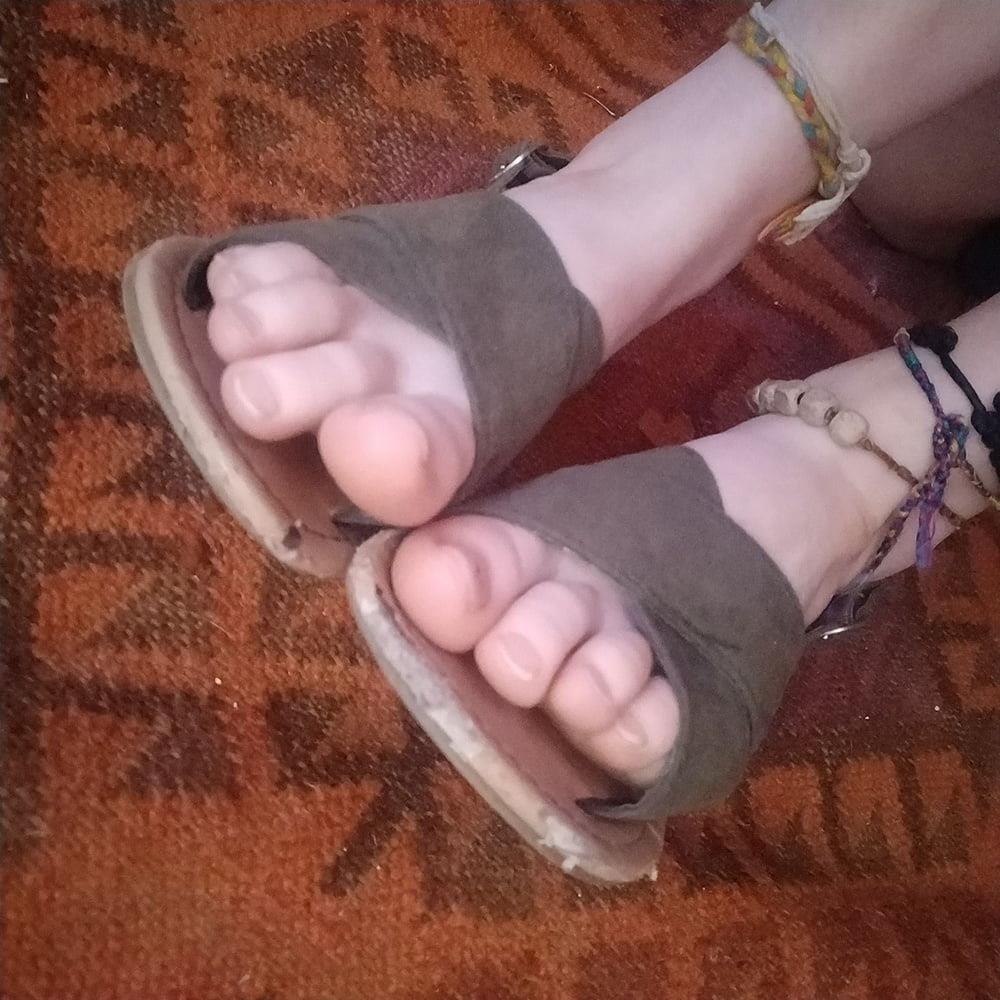 Little feet fetish-6115