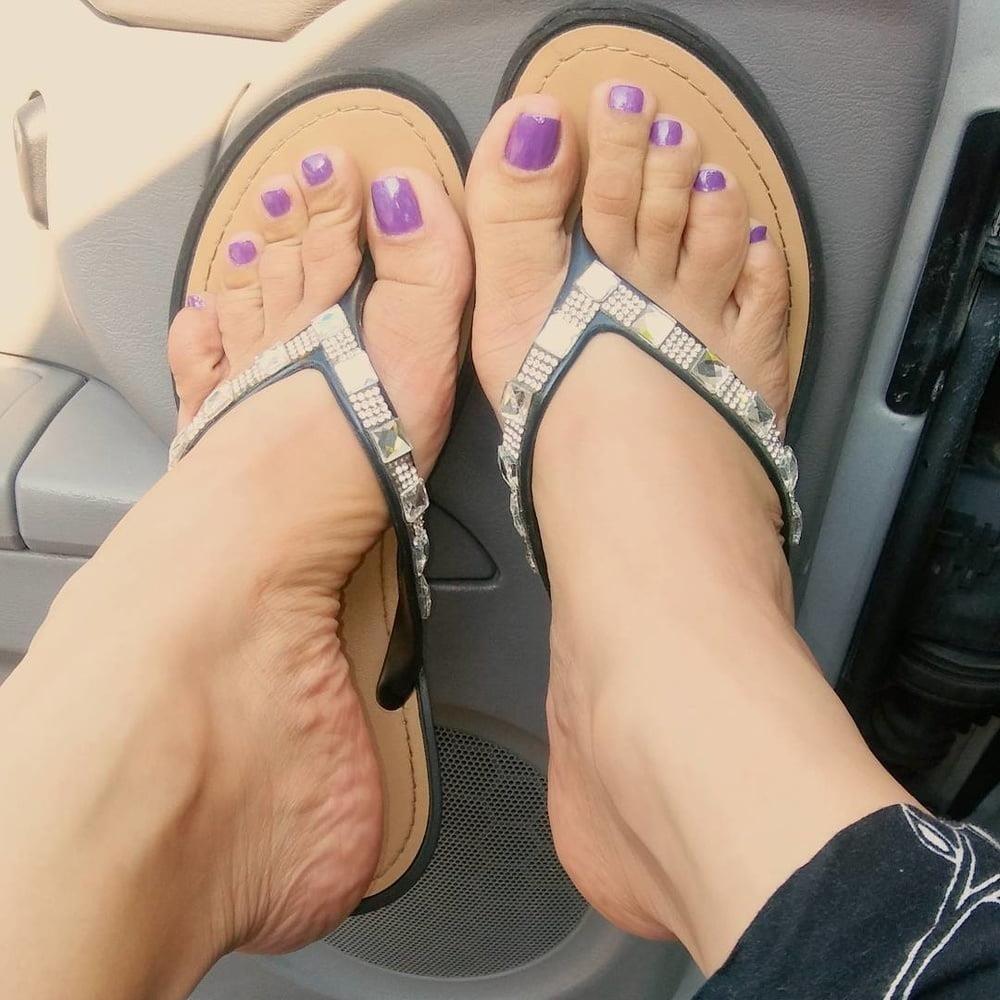 Feet joi cam-8621