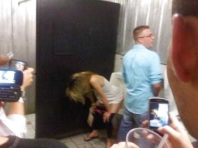 Men having sex in public toilets-4582