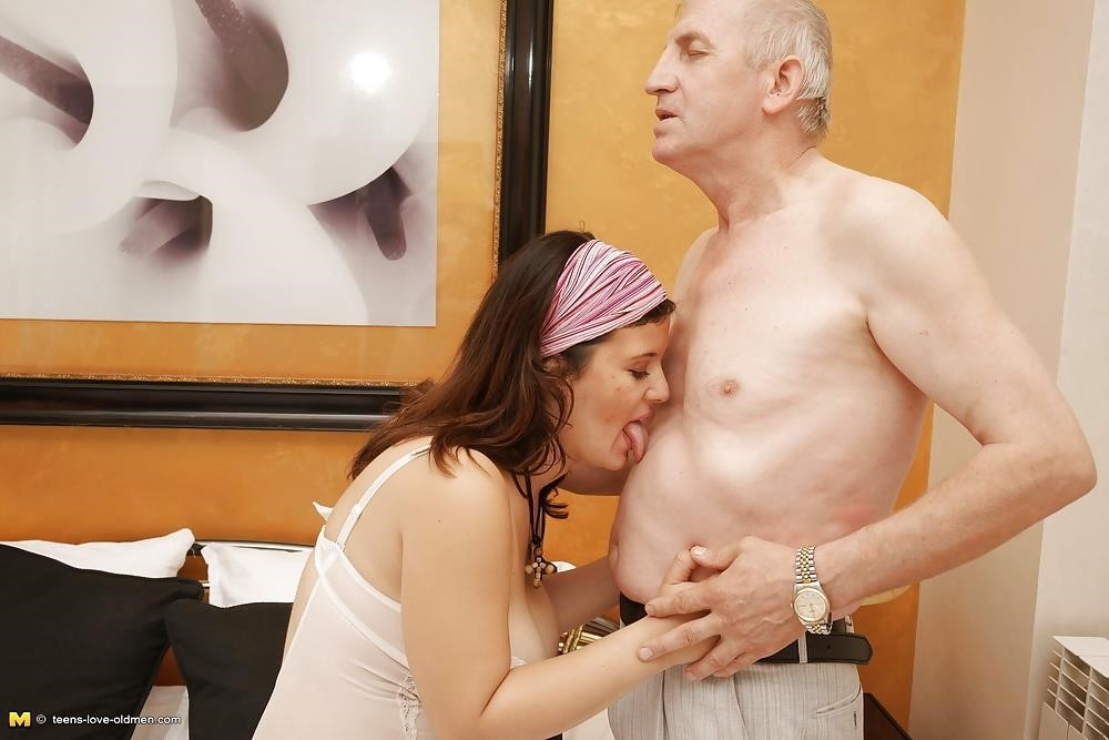 Porn girl and old man-9515
