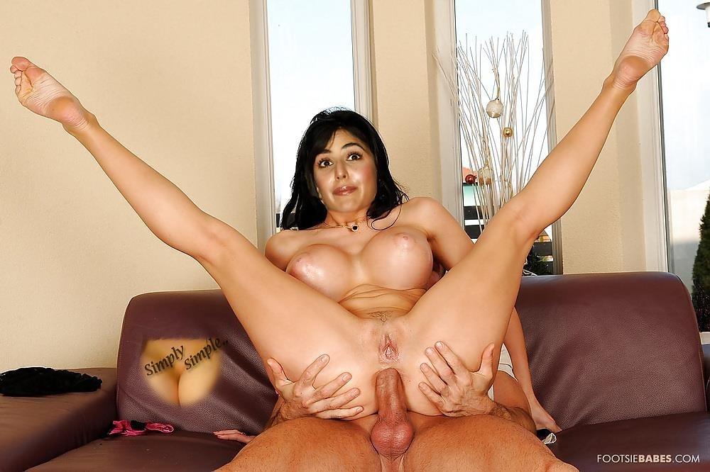Katrina kaif nude on bed-8543