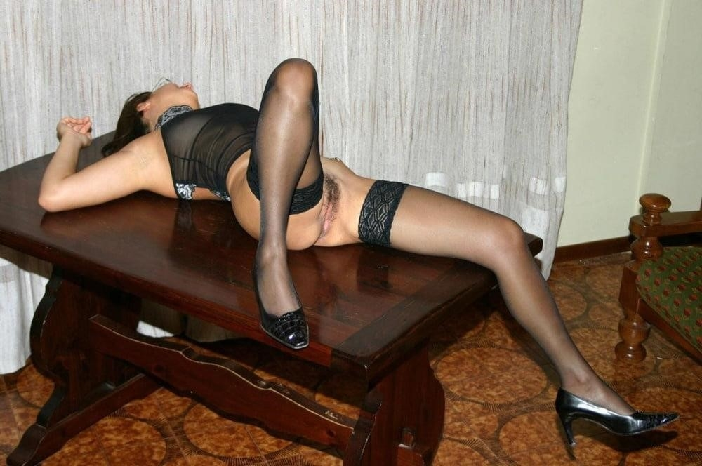 Wife nude at bar-2781