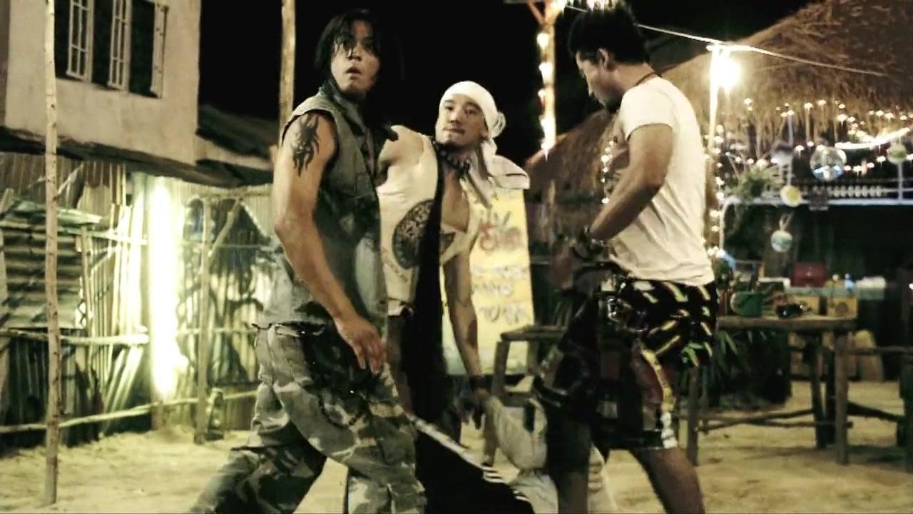 FB - Fighting Beat (2007) 720p BluRay x264 ESubs [Dual Audio][Hindi+Thai] -=!Dr STAR!=-