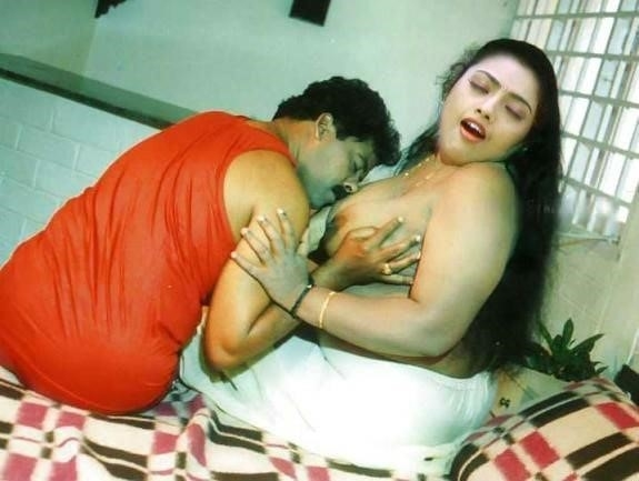 Meena hot kiss-8866