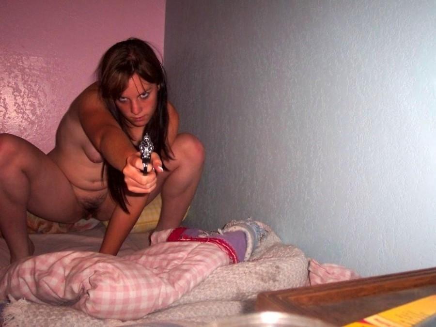 Mulheres com Armas Fotos Eróticas