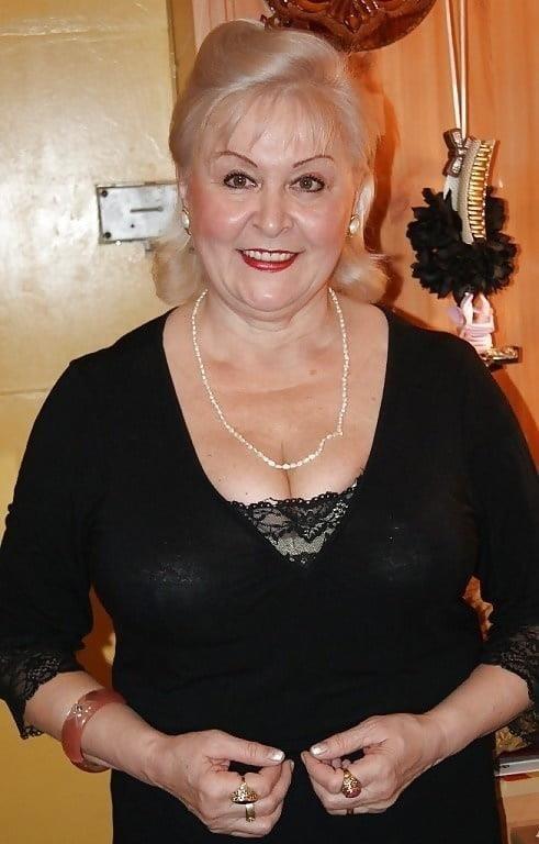 Busty granny porn pics-3416