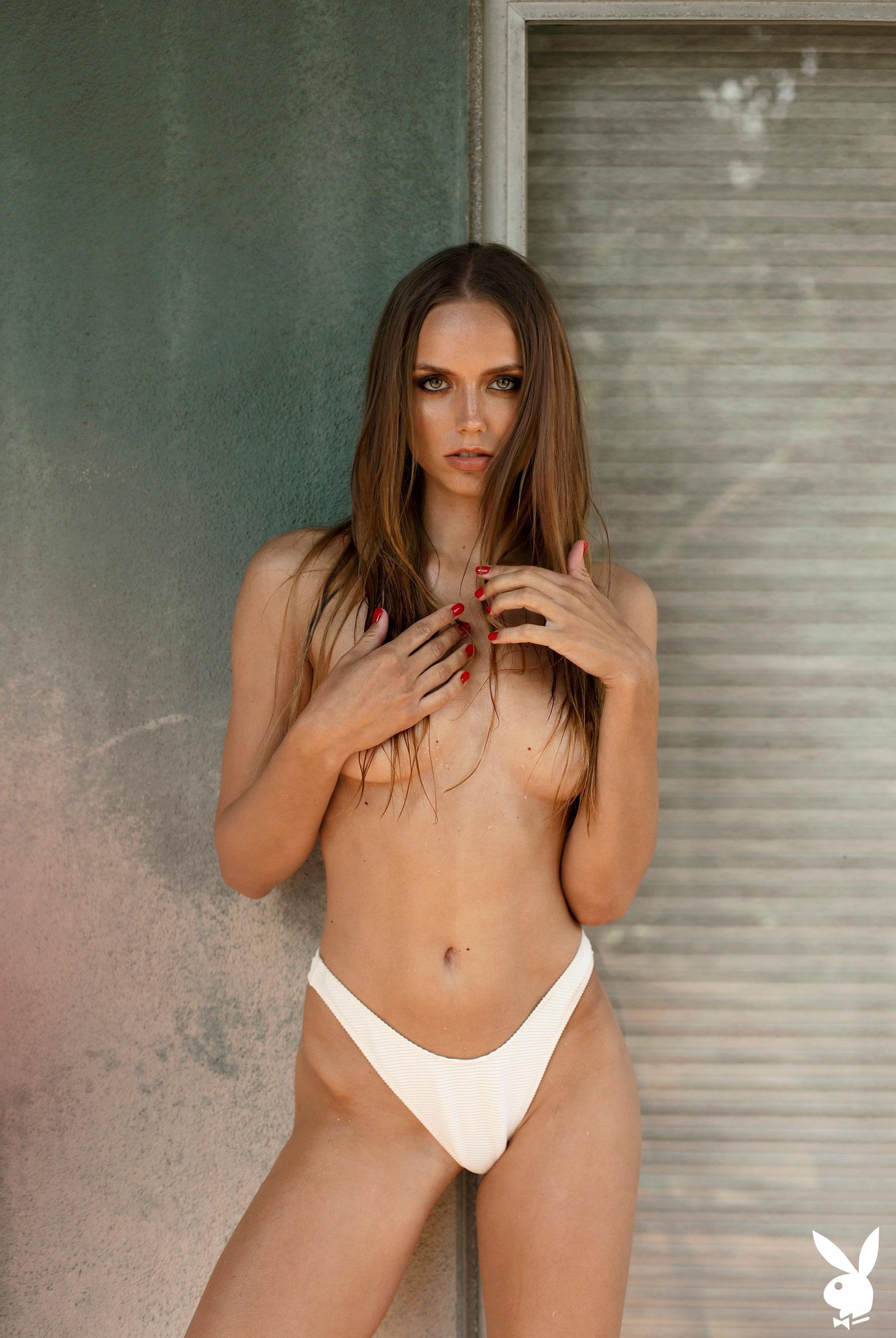 голая Адель Вакула в Голливуде и на страницах журнала Playboy / фото 16