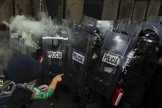 Противостояние с полицией