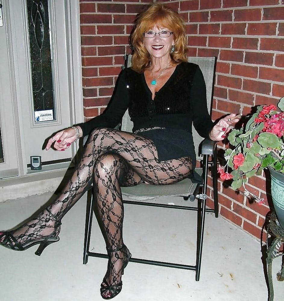 Amateur granny stockings pics-6891