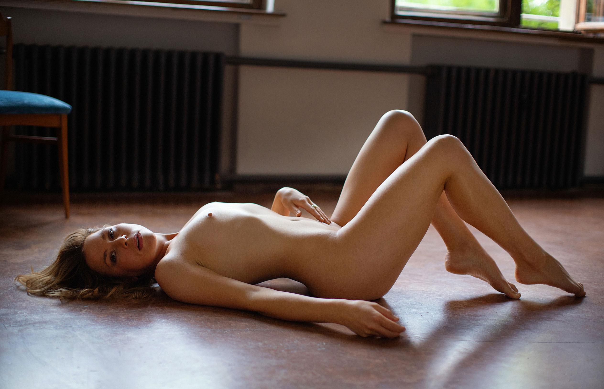 Актриса Франциска ван дер Хейде в журнале Playboy Германия, сентябрь 2020 / фото 14
