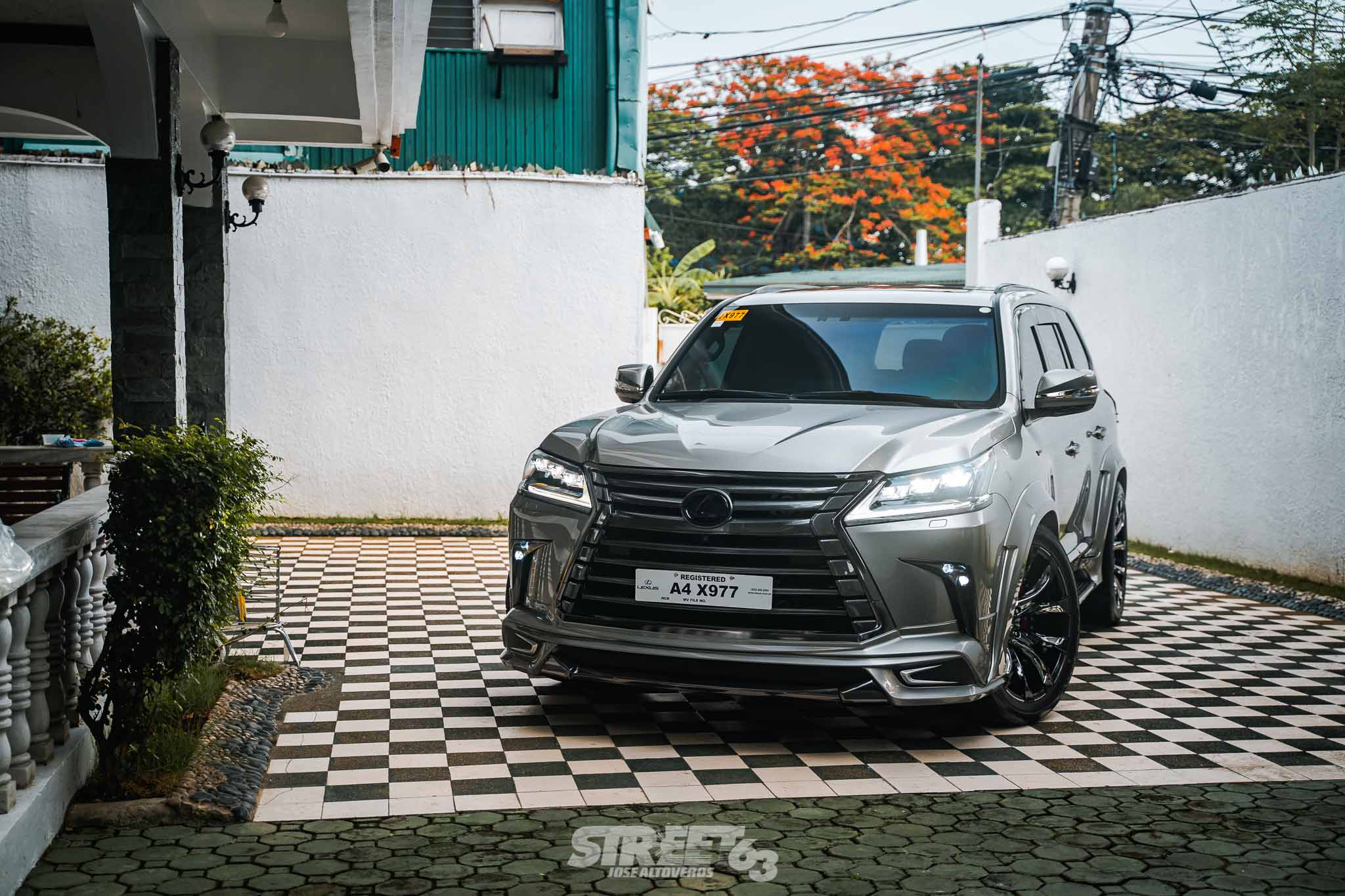 **From Wild to Wald:**\ Mr. Lee's Lexus LX570