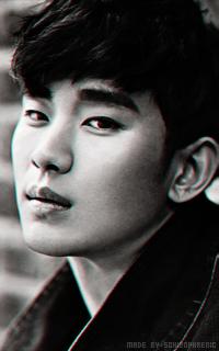 Kim Soo Hyun PMIEXGGK_o