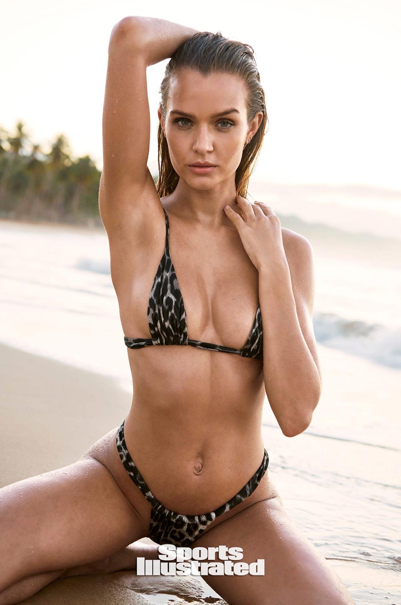 Жозефин Скривер в каталоге купальников Sports Illustrated Swimsuit 2020 / фото 27