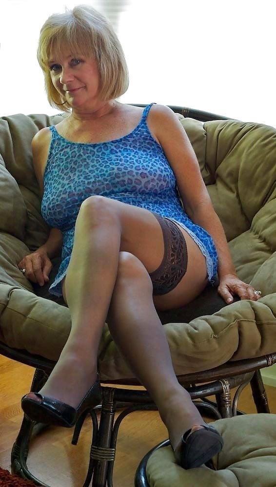 Girl milf pic-4039
