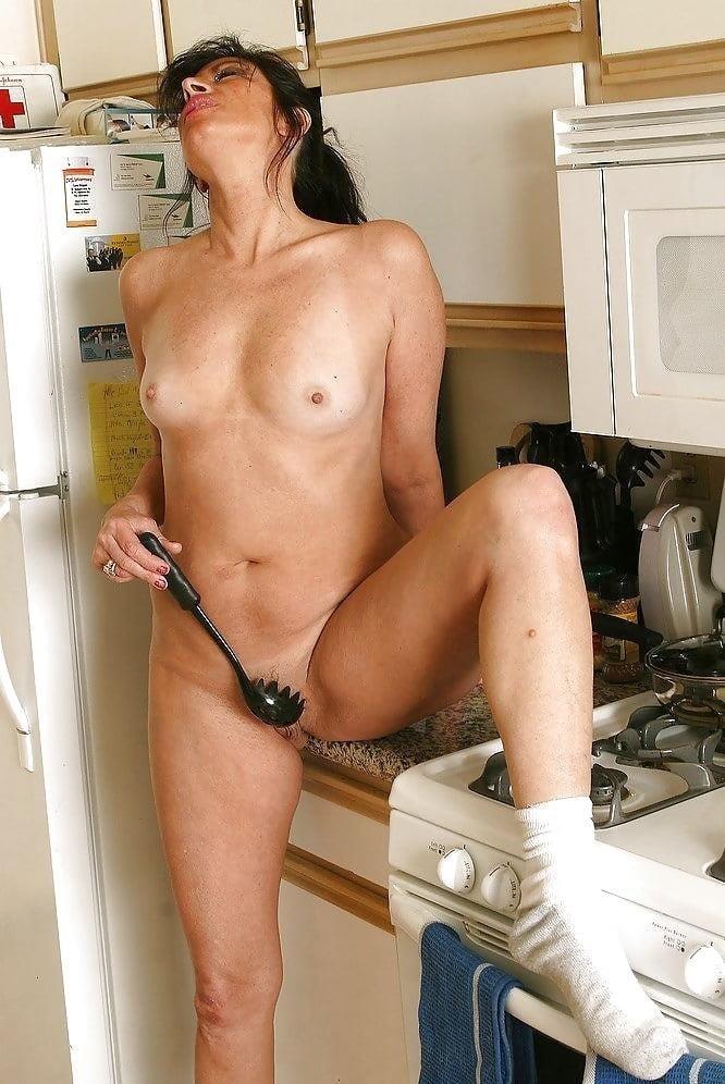 Housewife milf pics-9559