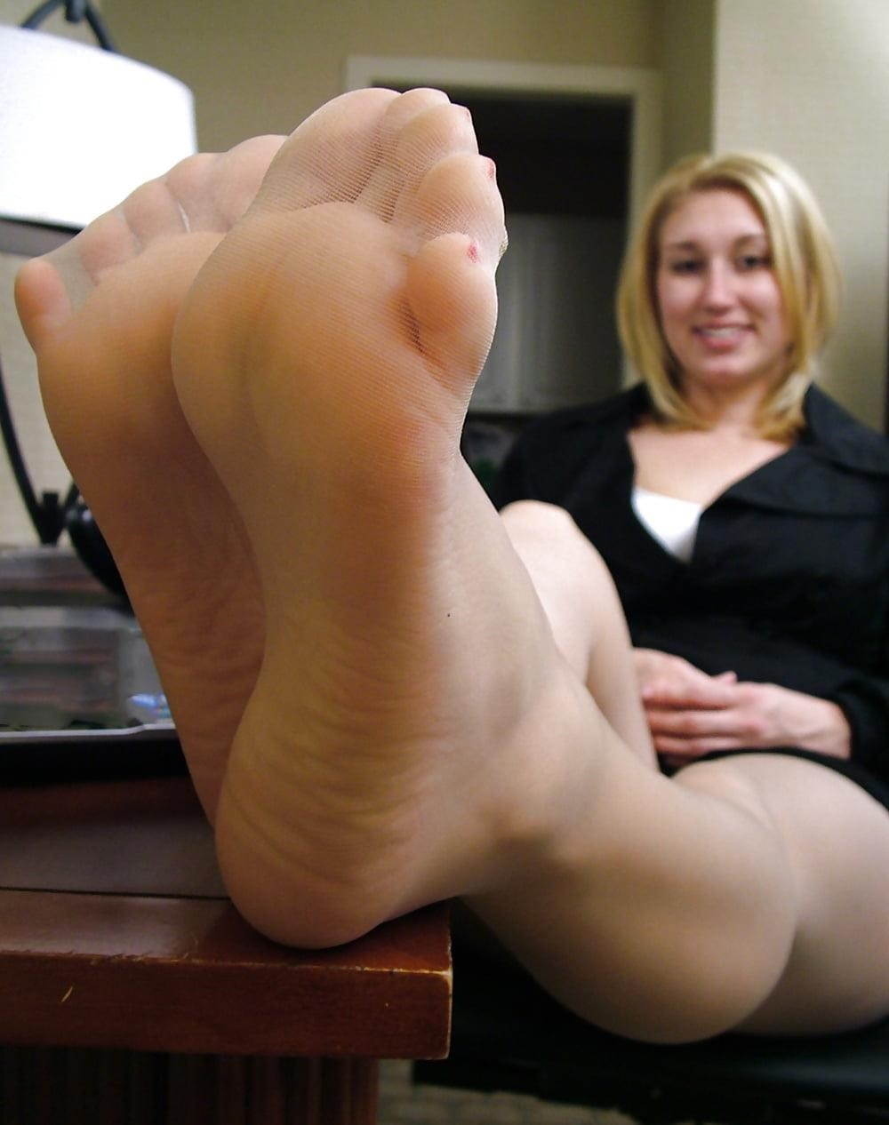 Young foot porn-5199