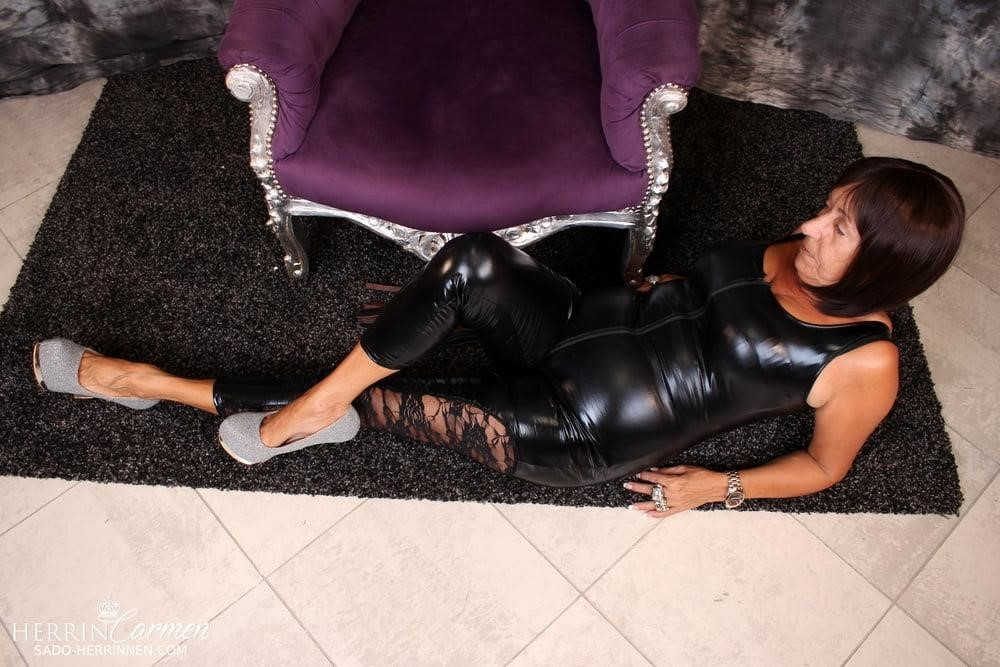 Strict foot mistress-5282