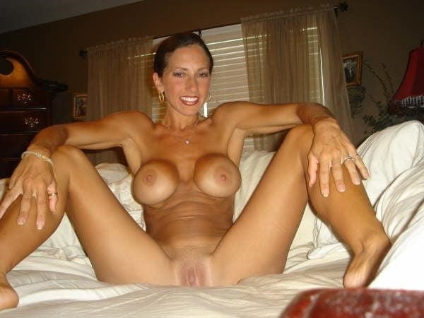 Free brunette milf pics-6190