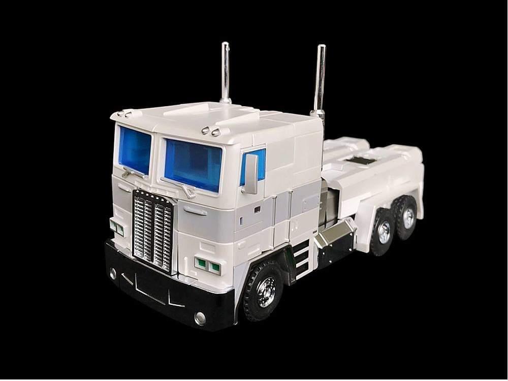 [Magic Square Toys/MS-Toys] Produit Tiers - MS-01 (aka Optimus Prime/Optimus Primus) + MS-01W (aka Ultra Magnus/Ultramag) - Page 2 UXD2h588_o