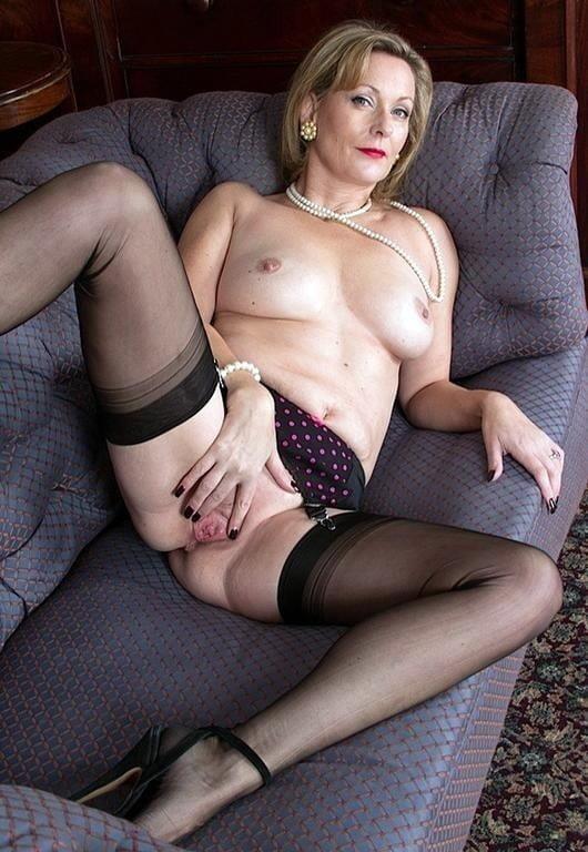 Mature stocking foto-9037