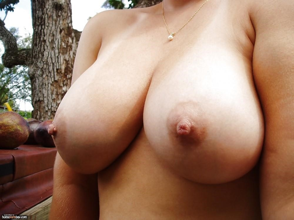 Huge natural tits squirting-3551