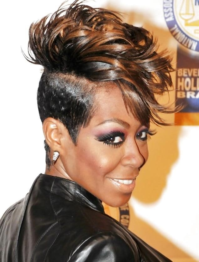 Different short hairstyles for black ladies-5566
