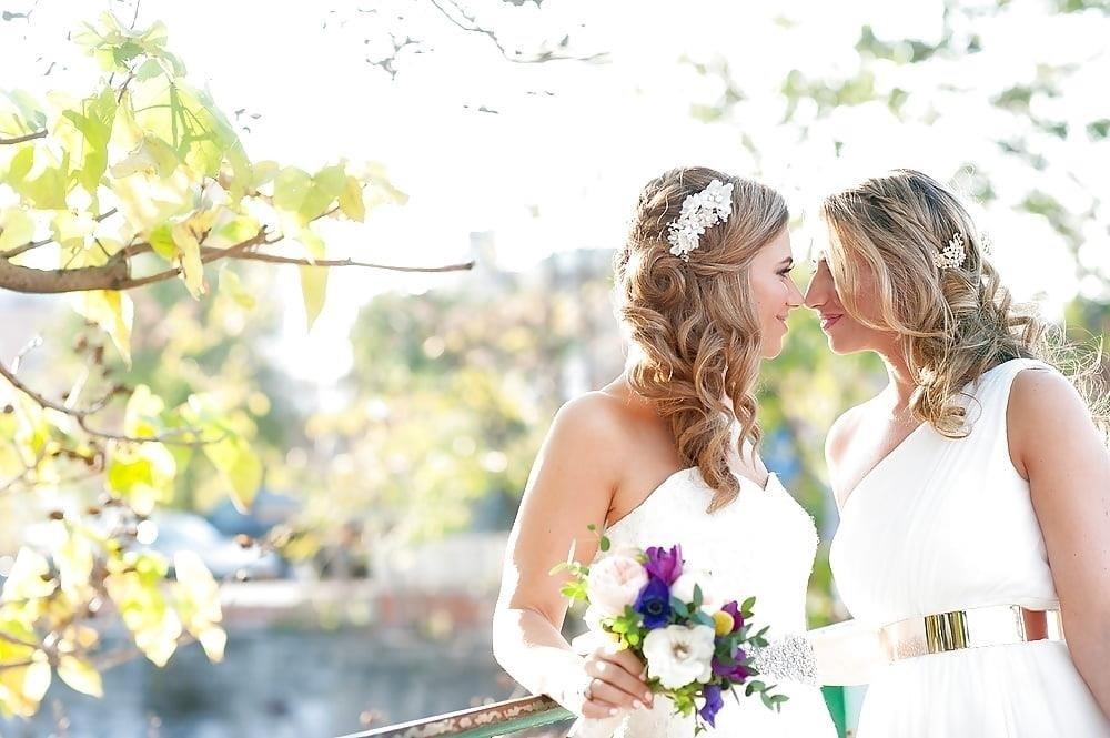 Sexy lesbian french kiss-8685