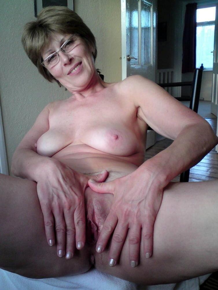 Older women cunnilingus-4368