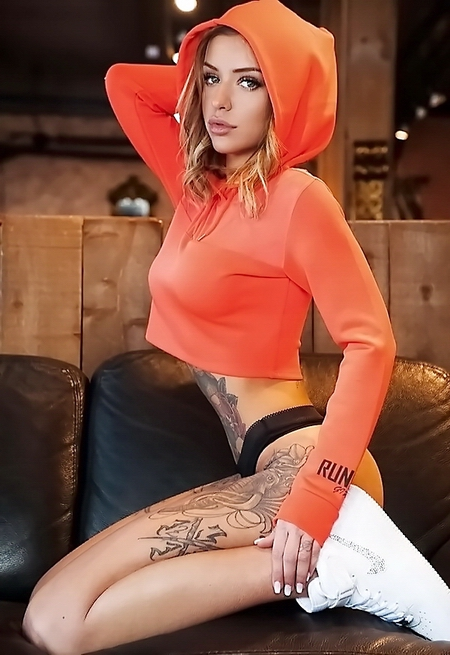 Laurence Bédard Sexy Pic